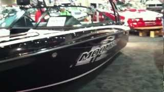 2013 Moomba Mobius LSV (Black) Ski & wakeboard Boat ... Walk Around