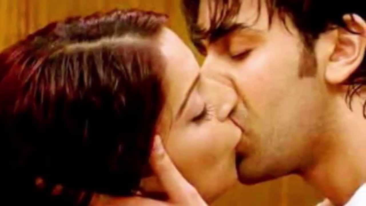 Bollywood Kapoor Family Hot Scene Kissing Collection Very Hot Youtube