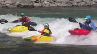 Hawea Wave  Freestyle kayak in New Zealand