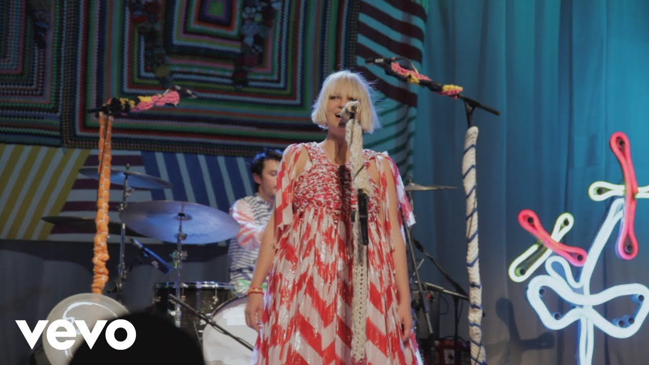 Sia - Clap Your Hands (Live At London Roundhouse) - YouTube