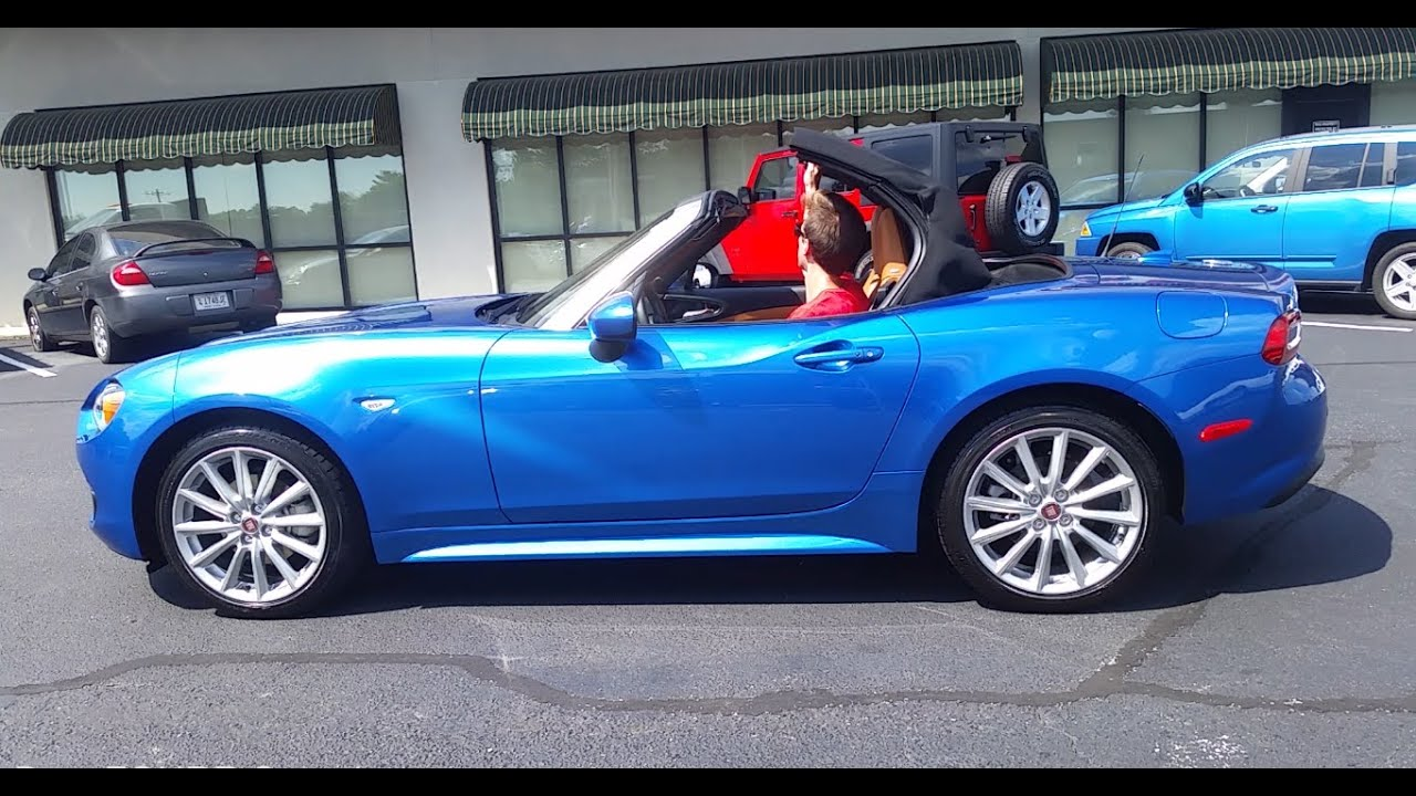 2017 fiat 124 spider convertible top operation and visibility youtube. Black Bedroom Furniture Sets. Home Design Ideas