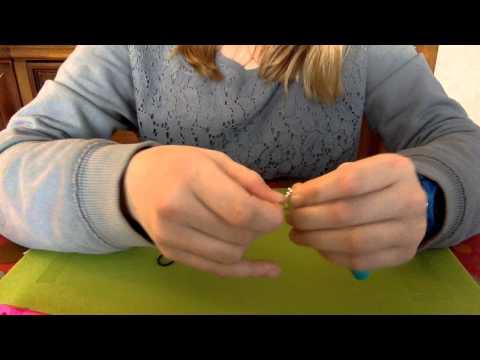 Comment faire une boucle d'oreille en elastique