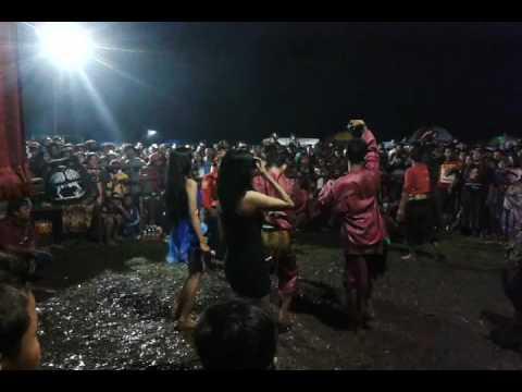 Samboyo putro lagu polisi & bukan tak mampu live waung baron