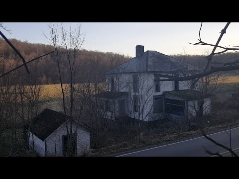 Abandoned House - Newly Weds First Home (Past Unclear) 2006