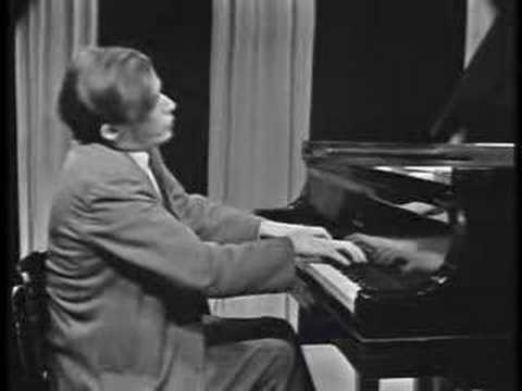 Glenn Gould - Beethoven 15 Variations and Fugue Op 35 (1/3)