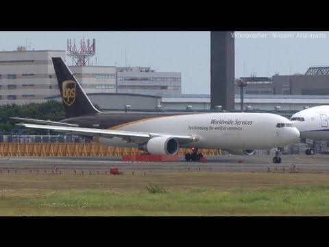 United Parcel Service (UPS) Boeing 767-300ERF N303UP @ Narita [20100905_1147]