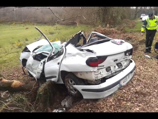 Fallece una joven de 19 años en un accidente en la carretera de Ombreiro