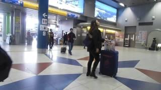 名鉄 ファンではないけど乗車で!38回 中部国際空港駅改札口付近の人々の様子