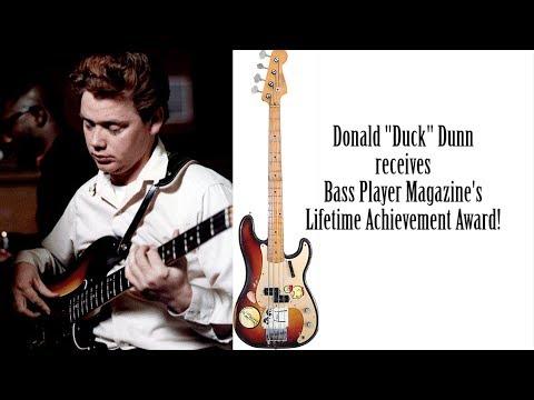 """Donald """"Duck"""" Dunn receives lifetime achievement award from Bass Player Live"""