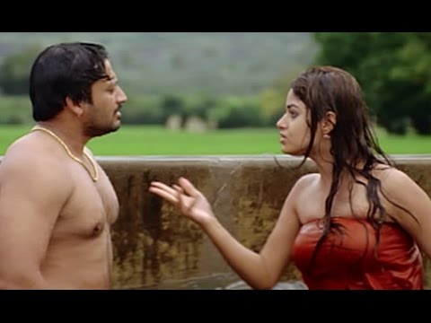 Hot south actress Nila bathing in public | Jambhavan
