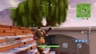 Fortnite Battle Royale - I want to get pro at this game ;-;