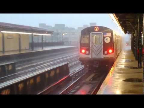 BMT Astoria Line: R160B Siemens/Alstom (Mix) Q Train at 36th-Washington Aves