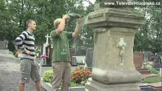 Oldřišov: oprava barokního kříže (3.9.2012)