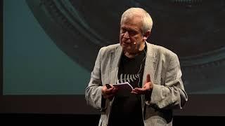 Pro pochopení vesmíru jsme museli rozbít kruh | Michael Havas | TEDxPlzeň