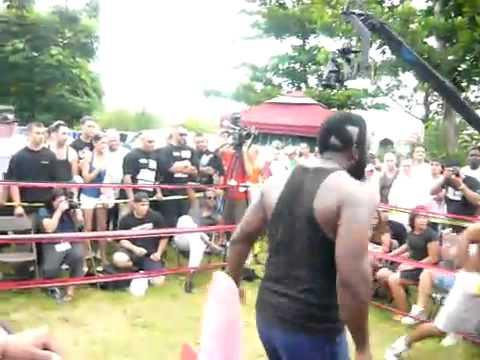 Backyard Fighting Videos backyard fights --- mike v tree 2 !!!! - youtube