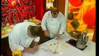 Спросите повара 21.01.2012 - Сэндвичи с кабачками, беконом и сосисками.(Настоятельно рекомендую посетить сайт http://cooking-book.in.ua Здесь вы найдете множество простых и оригинальных..., 2013-04-12T12:24:09.000Z)