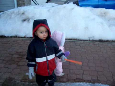 6e48056e9 Kids in snowsuits - YouTube