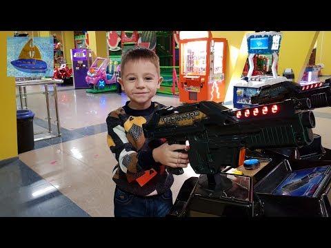 Прогулка в Голден Парке Детские игровые автоматы | Большие игрушки для мальчиков | Видео для детей