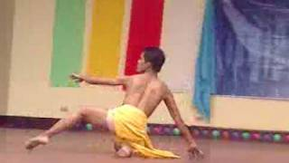 Ugoy ng Duyan, A Dance Interpretation by Ron from the Sophomores!