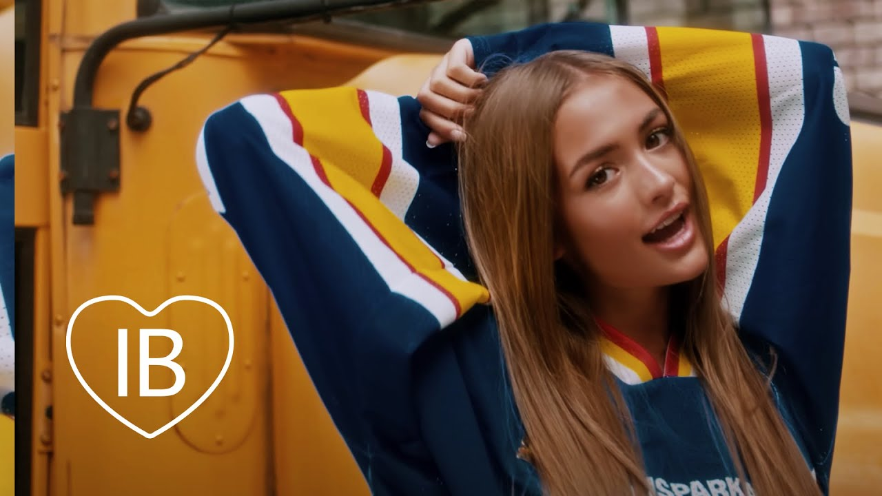 Iuliana Beregoi - Cum suna linistea (Official Video)