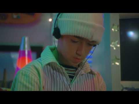 25/8 - Bad Bunny | YHLQMDLG