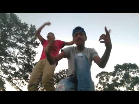 Young stunners diss afrikaans rap