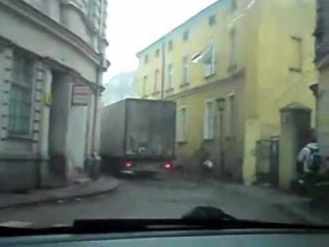 Zdzichu mistrz kierownicy i lans po mieście tirem