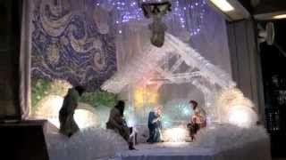"Dekorasi Natal daur ulang ""Kasih itu Menyelamatkan"""