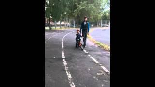 Bmw kids bike. Сыну 3 года:)(Марку 3,3 года.Это супер велосипед!, 2014-08-28T10:01:10.000Z)