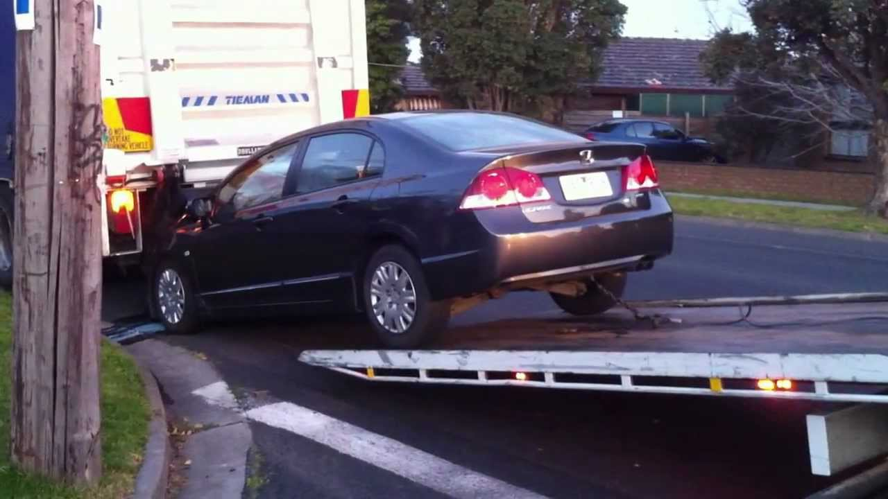 Car accident honda civic aug 11 didnt see the truck or the truck broke quickly aug 2011 youtube