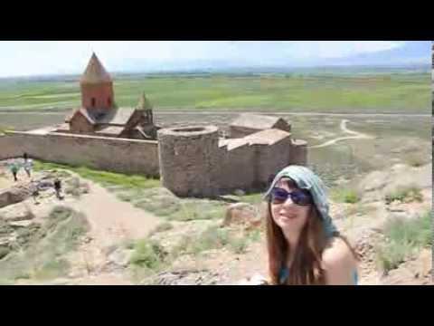 Гора Арарат и монастырь Хор Вирап в Армении.