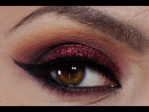 Red Glitter Makeup (Holiday Makeup Tutorial) - YouTube