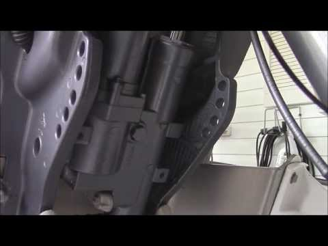 How do you troubleshot a Yamaha outboard motor's tilt and trim?
