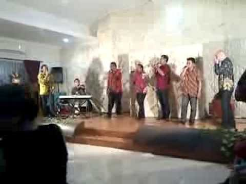 AKU PAPUA (Franky Sahilatua) by Jamaica Cafe featuring Michael Jakarimilena