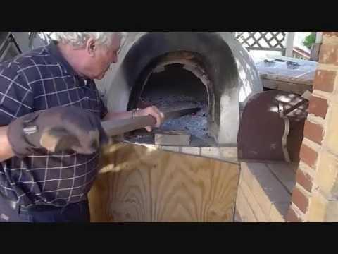 Olona viva macina il proprio mais al mulino sant 39 elena doovi - Forno a legna casalingo ...