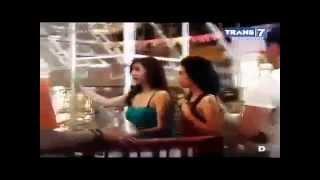 vuclip Wisata Malam episode  Journey in Surabaya with baby margaretha hot and sexy