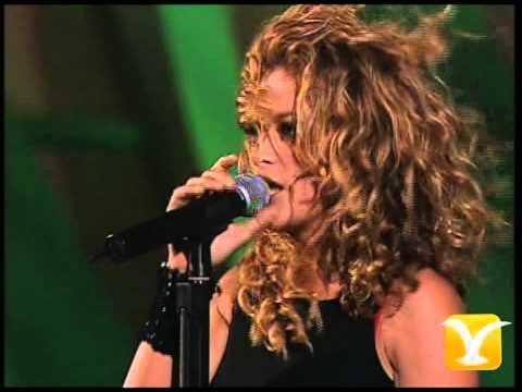 Paulina Rubio, Baila Casanova - Todo mi amor, Festival de Viña 2005