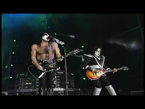 KISS - I Was Made For Lovin' You (Live At Dodger Stadium) - 1998