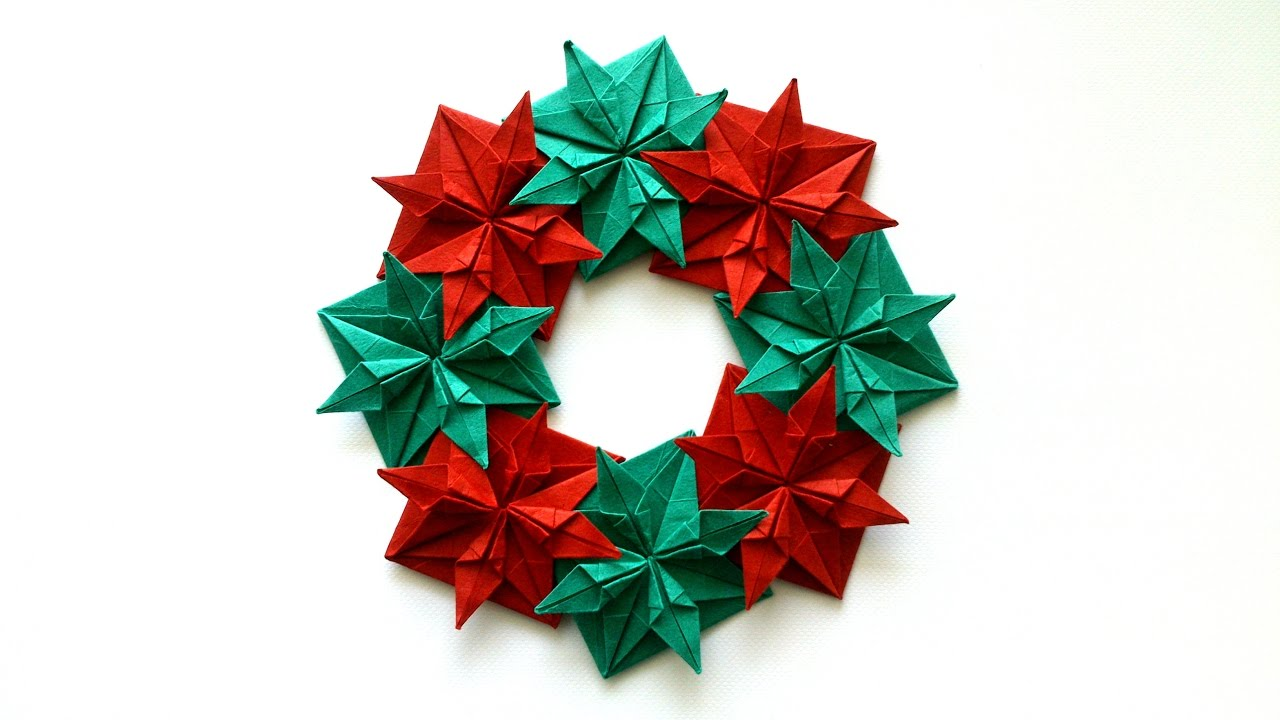 Christmas origami wreath - How To Make An Origami Christmas Wreath