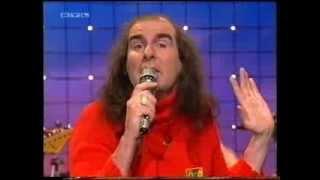 """Bei diesem tv-auftritt in einer rtl-sendung von 1995 (mit hoher wahrscheinlichkeit die """"rtl nachtshow"""" mit thomas koschwitz) trat guildo horn seiner band..."""