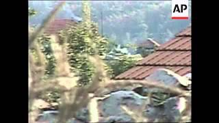 KOSOVO: SERB TANKS DRIVE THROUGH VILLAGES IN DRENICA AREA