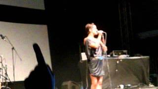 Kosheen- Overkill+ Chances live@Sazavafest 2011 (CZ)