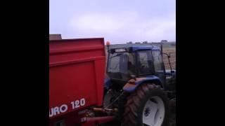ensileuse 2 rangs trainee claas jaguar 61 et tracteur case ih 1056 xl