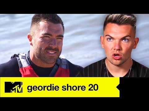 EP #8 SPOILER: James Makes An Awkward Chloe Kiss Confession | Geordie Shore 20