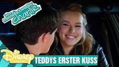 MEINE SCHWESTER CHARLIE - Clip: Teddys erster Kuss | Disney Channel