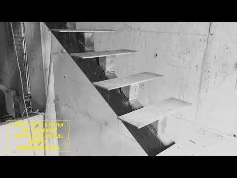 Thi công cầu thang xương cá tại Dịch Vọng Hậu, Cầu Giấy, Hà Nội. LH: 0969.33.38.35