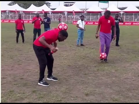 Fascinating! Okocha Dares Kanu Nwankwo In Ball Juggling, Guess Who Won?