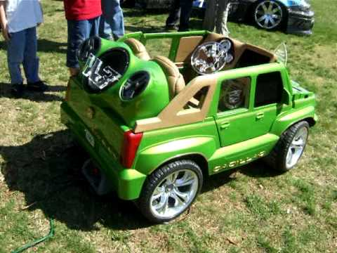 Power Wheels Cadillac Escalade >> Escalade power wheel - YouTube