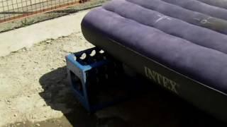 видео Как заклеить надувной матрас своими руками дома