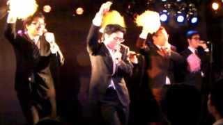 昭和歌謡曲をアカペラにアレンジしてイケイケ、ノリノリで歌う。 2013.10.13 渋谷RICK アクアマリン主催ライブにて http://restructure.arrow.jp/